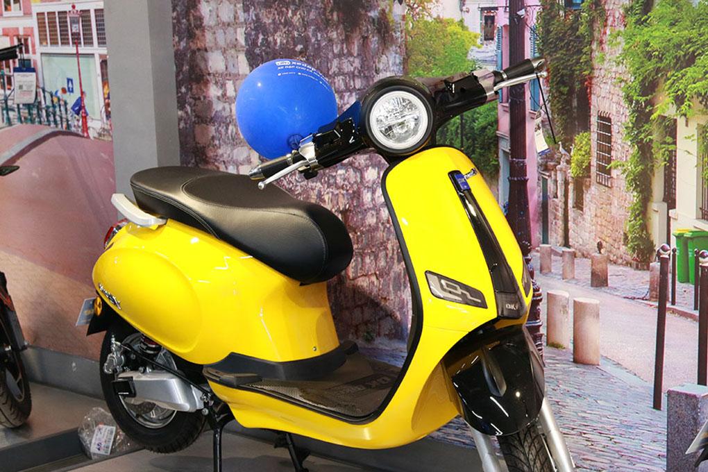 Mẫu xe máy điện DK Roma SX với kiểu dáng hiện đại, thời trang