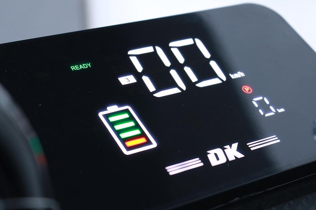Đồng hồ LCD thông minh, sắc nét, hiển thị thông tin chính xác