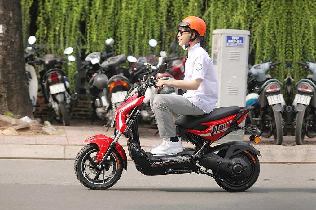 Vận tốc cho phép tối đa của xe đạp điện là 25km/h và xe máy điện là 50km/h