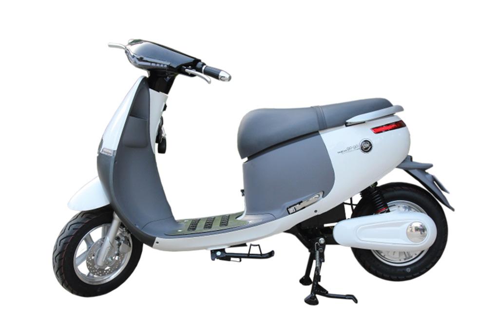 Xe máy điện DK Gogo được đa số nữ sinh yêu thích với giá chỉ 17.900.000VND