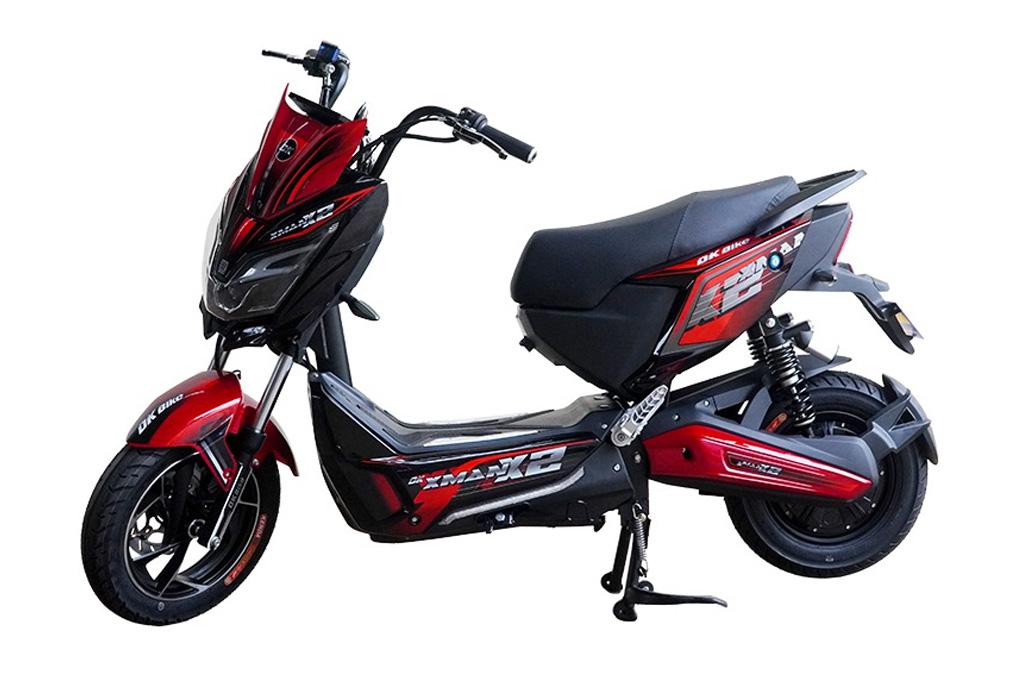 Mẫu xe máy điện DK X-Man X2 nhận được sự ưa chuộng của khách hàng trẻ tuổi với giá 17.900.000VND