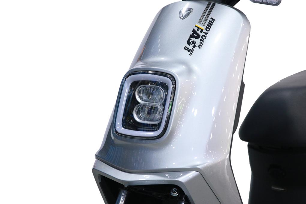 Phần đèn xe có thiết kế lạ mắt và hiện đại cùng cường độ sáng cao