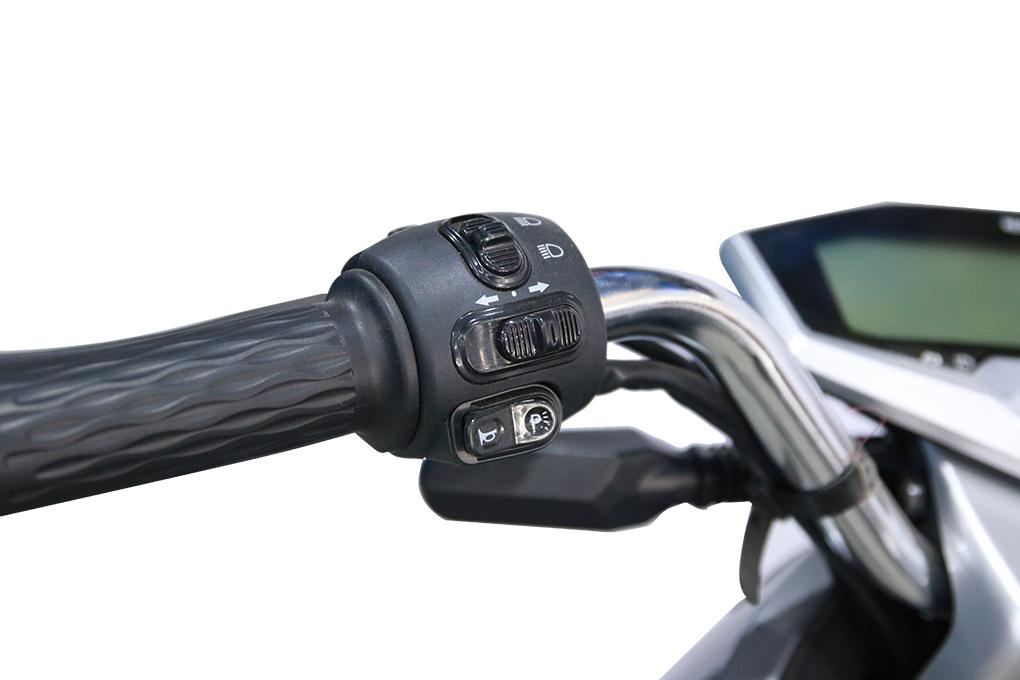 Phần công tắc hay các nút trên tay lái được thiết kế khoa học và tiện lợi nhất cho người dùng