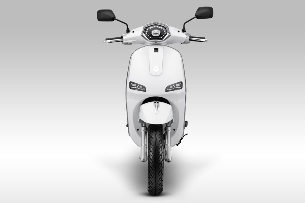 Xe máy điện YADEA Odora mê mẩn bao cô gái với sự kết hợp hiện đại và cổ điển