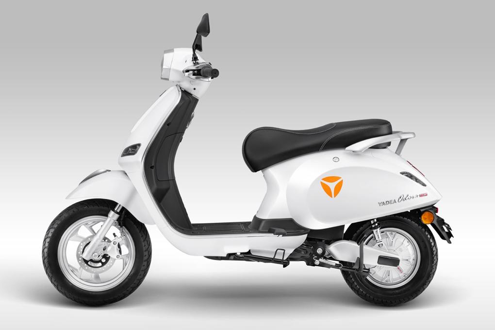Xe máy điện YADEA Odora sở hữu tính năng vừa đi vừa sạc hiện đại