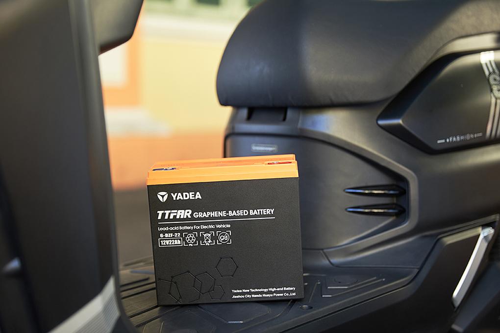 Xe máy điện YADEA S3 sử dụng ắc quy Graphene độc quyền của YADEA có tuổi thọ đến 5 năm