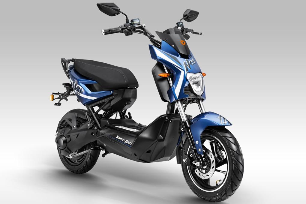 Xe máy điện YADEA X-men Neo có khoảng sáng gầm xe và hệ thống đèn LED lý tưởng